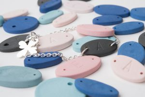 naamarmbandje-porselein-diverse-kleuren